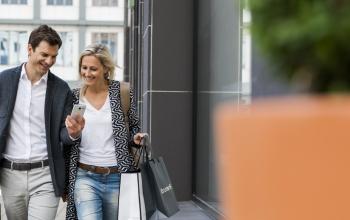 Einkaufen mit dem Smartphone: Deutsche fassen langsam Vertrauen